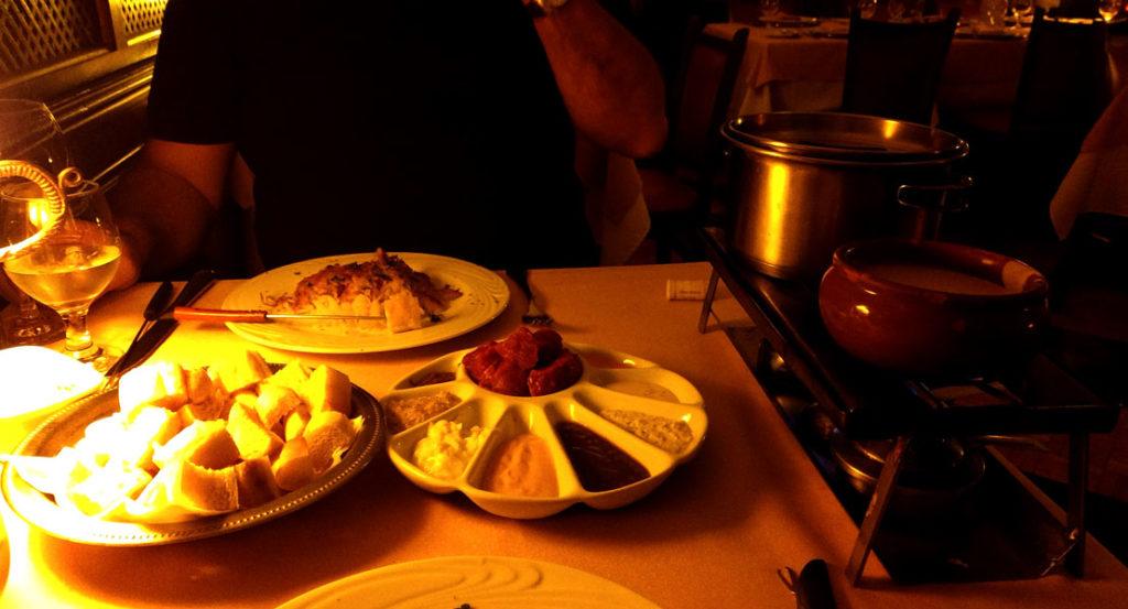 Onde comer bons fondues no Rio de Janeiro: Casa da Suiça