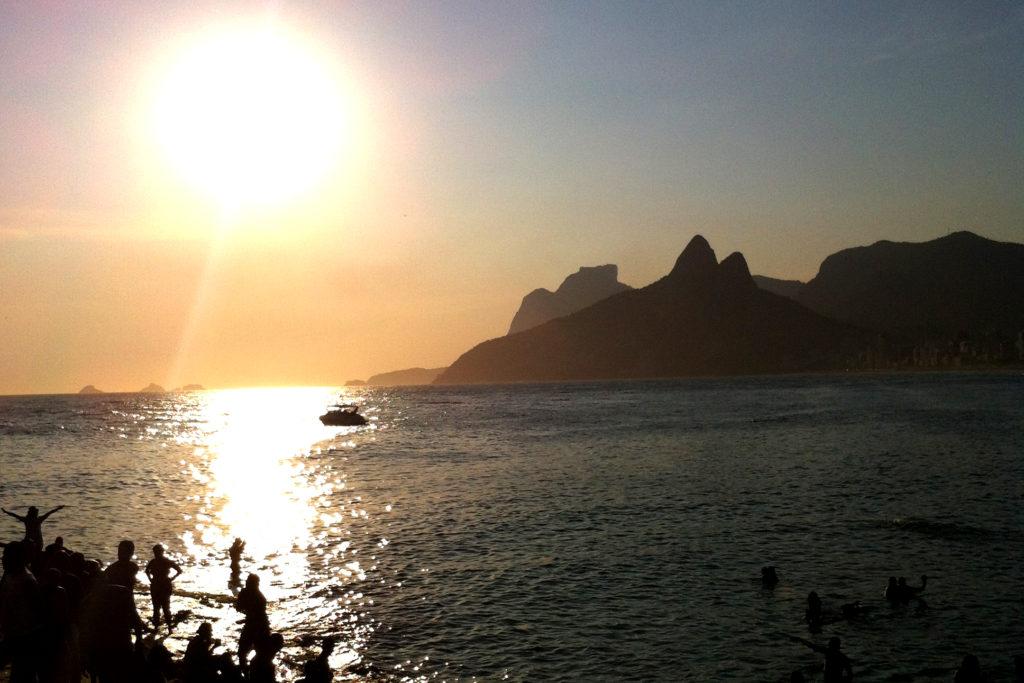 Dez lugares com por do sol imperdível pelo Brasil: Arpoador - RJ