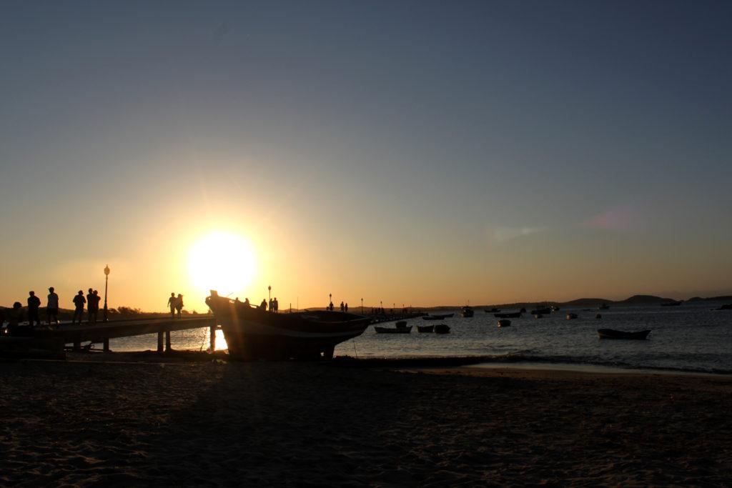 Dez lugares com por do sol imperdível pelo Brasil: Búzios- RJ