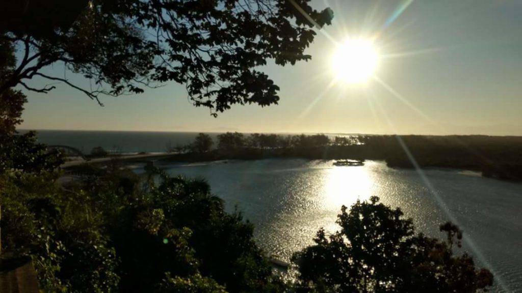 Dez lugares com por do sol imperdível pelo Brasil: Bira Marambaia - RJ